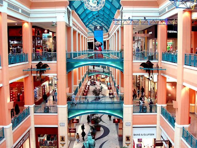 Lojas do Centro Comercial Colombo