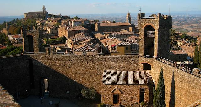 Fortezza di Montalcino na Itália