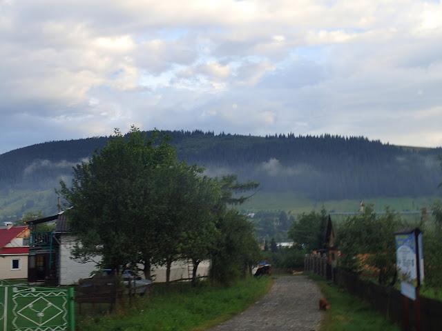 Zamglone, niewyraźne okolice Kosiwa
