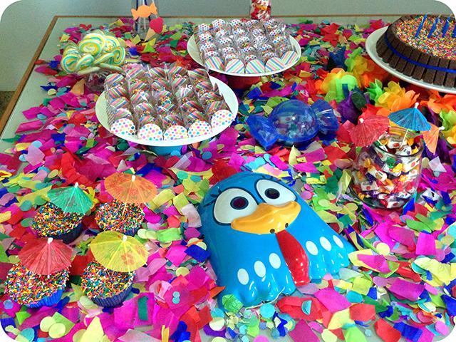 Decoração : Festa Carnaval - Mesa / Galinha Pintadinha