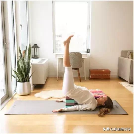 """最適合夏季練習的9 個瑜伽體式,去除體內""""熱氣""""(一身清爽)"""