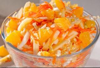 салата из пекинской капусты, апельсина, яблока и моркови
