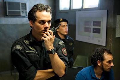 O filme TROPA DE ELITE 2  em Domingo Maior - 15/10/2017