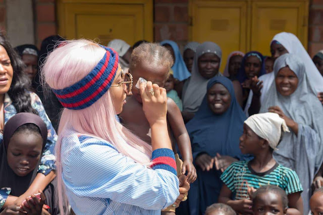 Tonto Dikeh Celebrates Birthday With IDPs, Donates Relief Materials