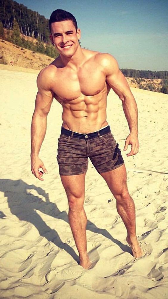 cute-buff-beach-dude-shirtless