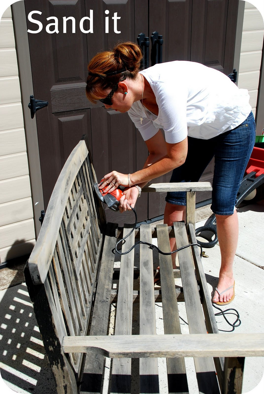 What Does Paint Primer Do >> Striped Garden Bench Makeover!! {spray paint project}