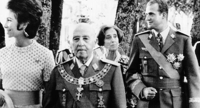 """""""El franquismo diseñó la Transición en España para esconder sus crímenes"""""""