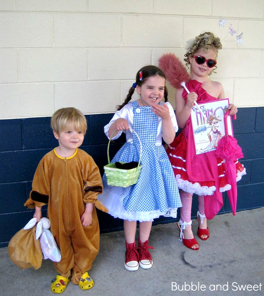 Bubble and sweet this is how we do book week fancy nancy the other kids were not even at school solutioingenieria Images