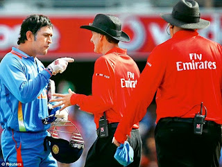Mahendra singh Dhoni fight with Third Umpire