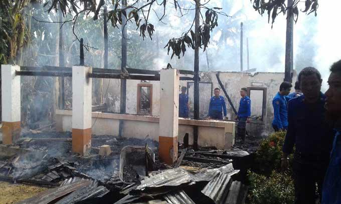 Lupa Matikan Kompor, Dua Rumah Warga Ludes Dilalap Api