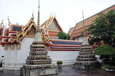 Les carreaux de céramique et Wat Pho de Bangkok