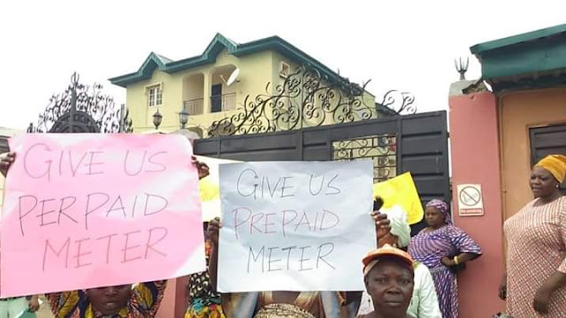 Photos: Residents of Ikorodu community protest 19 days blackout