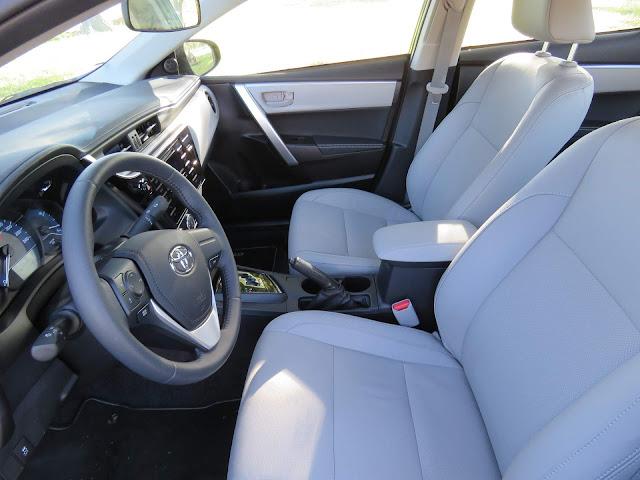 Toyota Corolla 2018 - interior