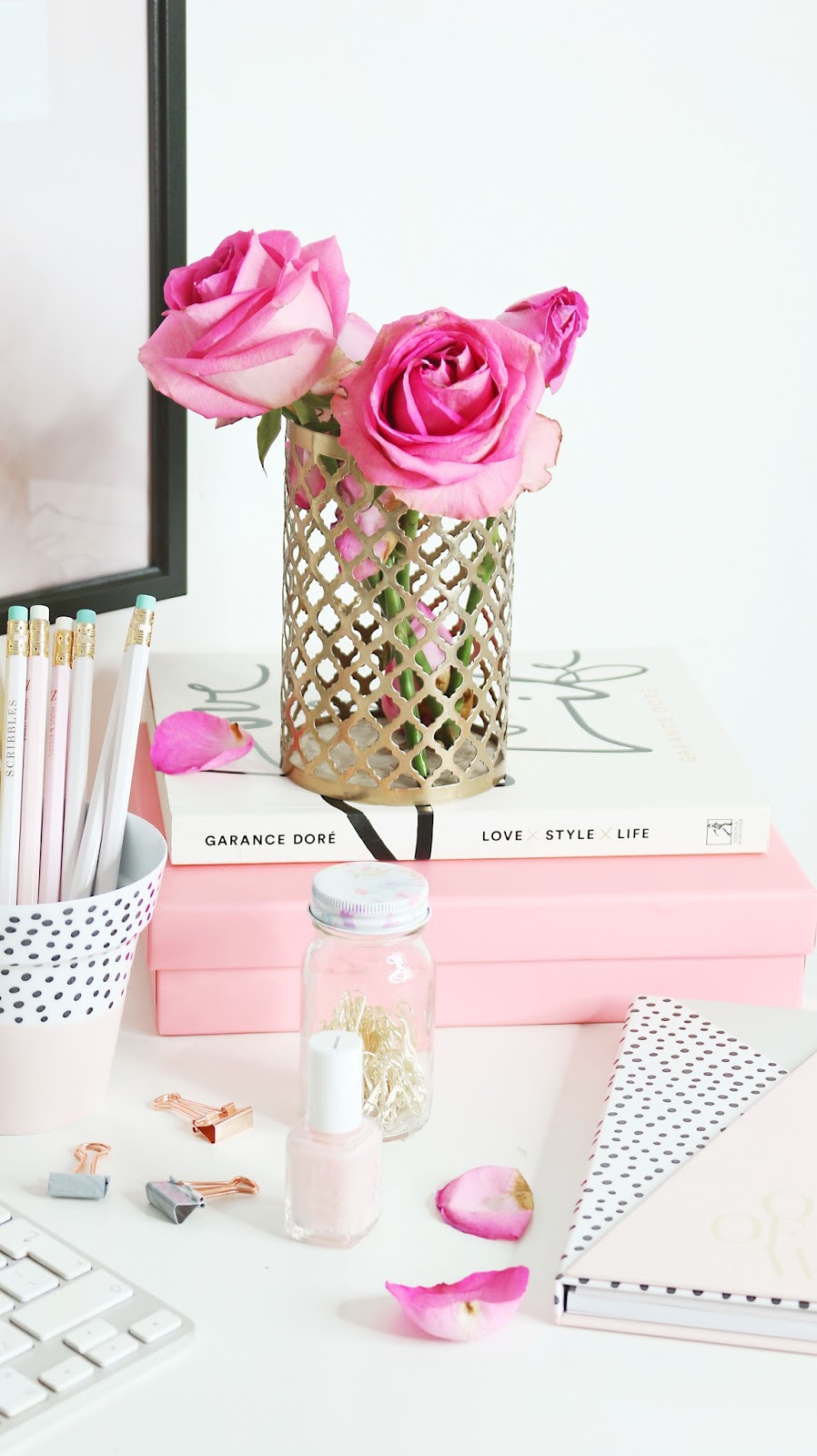 Blogging, Photography, Lifestyle, Photography advice, blog photo inspiration, blog photo advice, how to take better blog photos, flatlays,  how to take blog photos on your own,