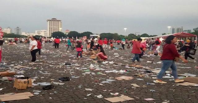 UPK Monas: Sampah Sisa Acara Sembako Lebih Banyak dari Lebaran