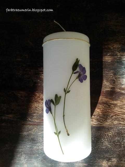 diy-kerze-mit-blueten-kraeuter-und-pflanzen-candle-with-pressed-flowers-and-plants
