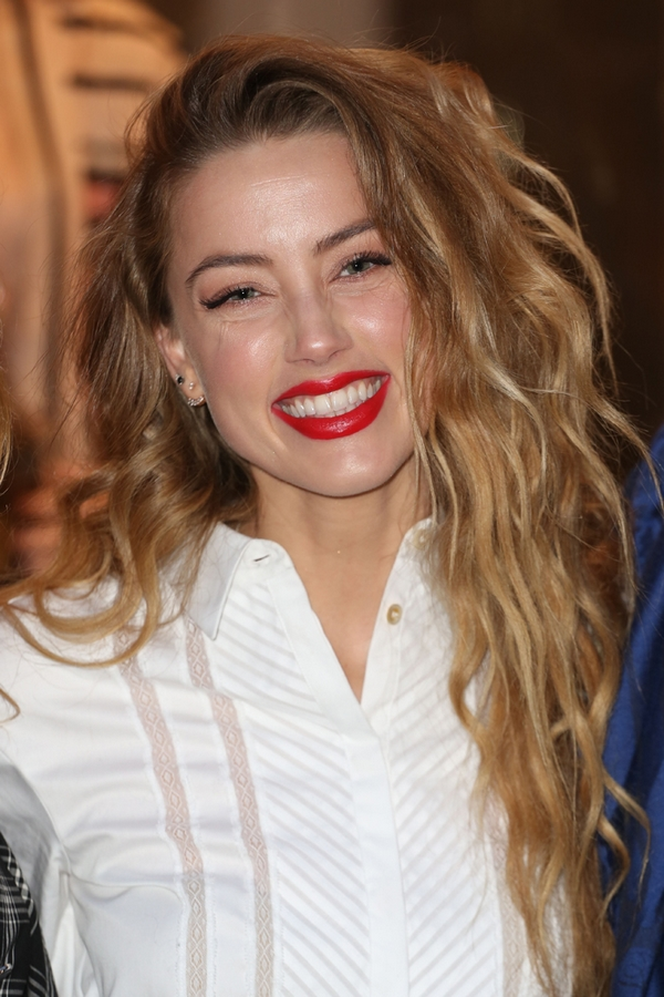 Amber Heard makeup Red Lips