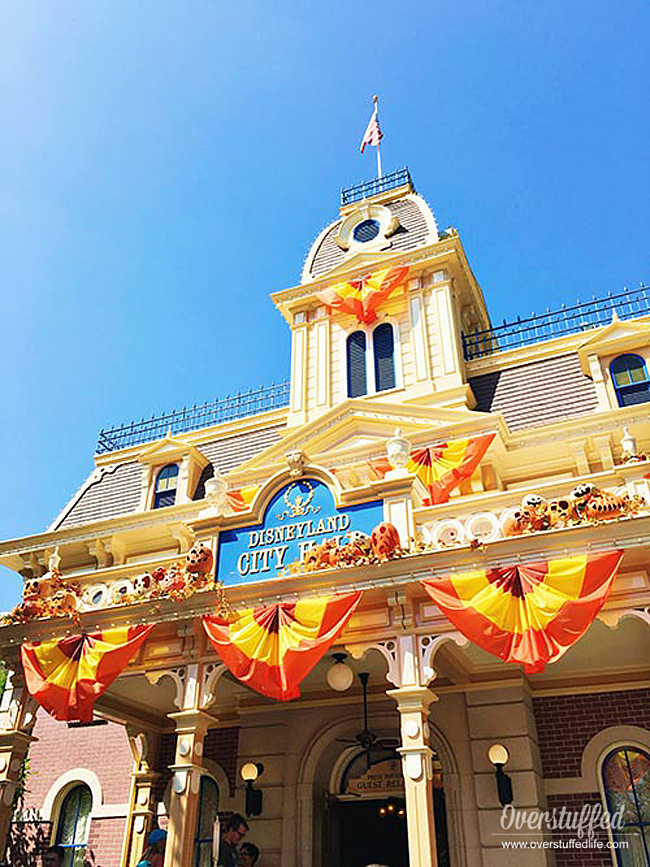 Disneyland is incredibly gluten-free friendly. Make sure to inform yourself and pick up the gluten-free list at City Hall!