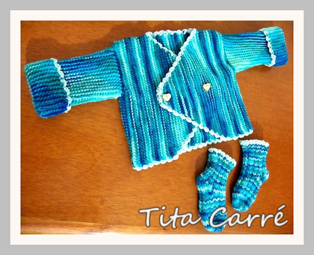 Casaquinho e meias de bebê Azul