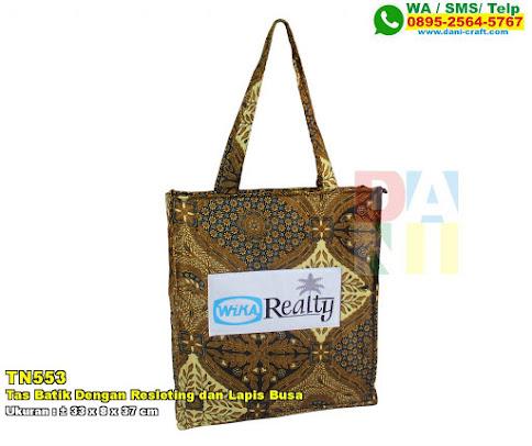 Tas Batik Dengan Resleting Dan Lapis Busa