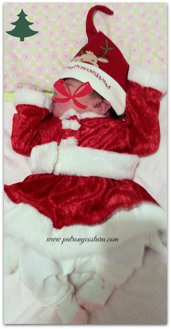 http://www.patronycostura.blogspot.com/2014/11/vestido-santa-claus-bebe-tema-70.html