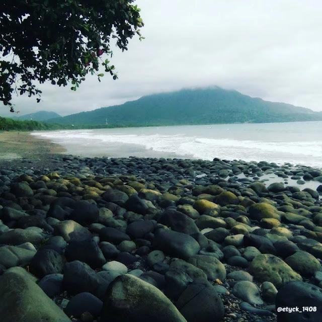 Pantai Cepi Watu