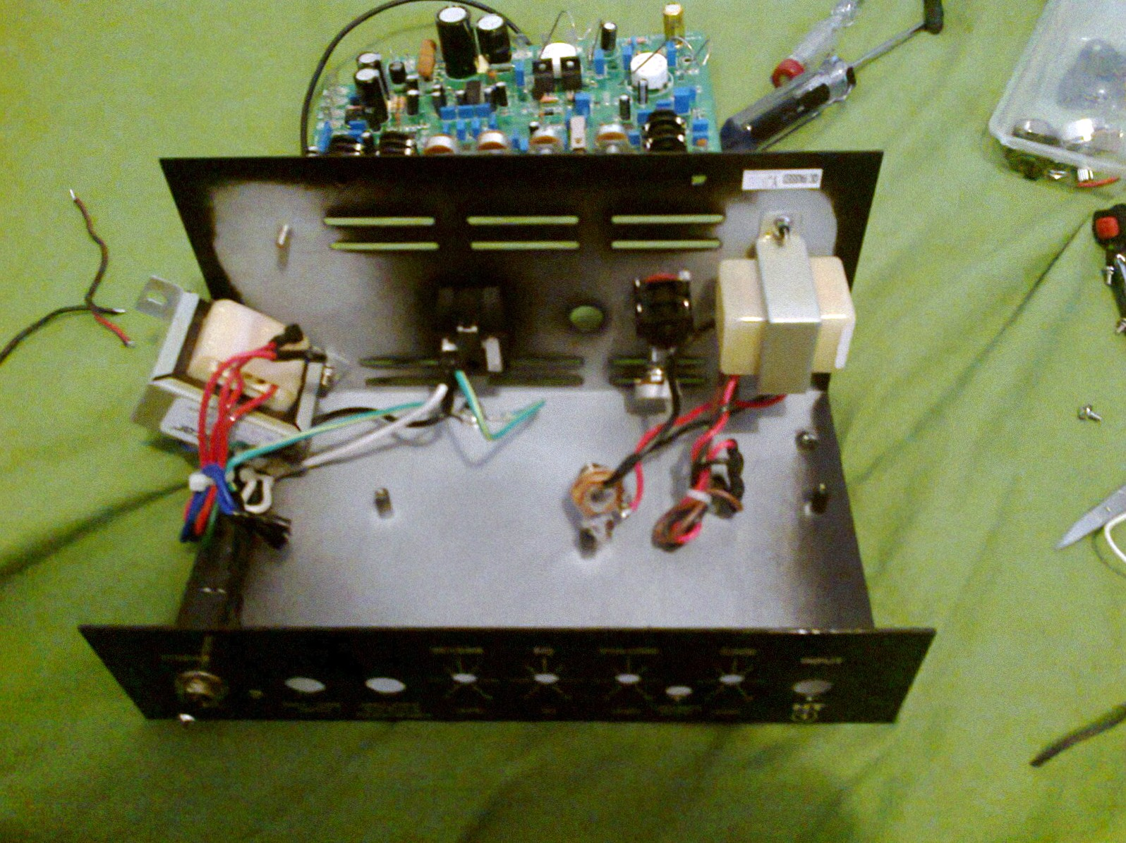 so now you can put a channel select footswitch on your ht 1 amp  [ 1596 x 1196 Pixel ]