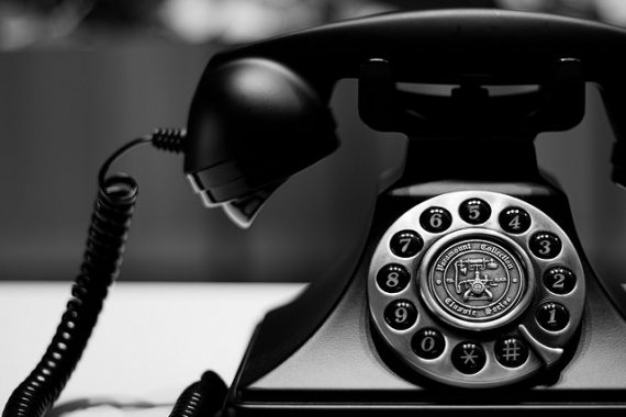 Panggilan Telepon Dari Alam Kubur