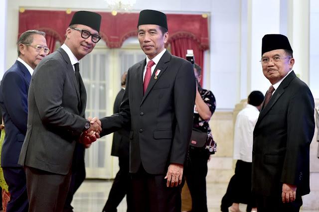 Jokowi Lantik Agus Gumiwang Kartasasmita Menjadi Menteri Sosial Gantikan Idrus Marham
