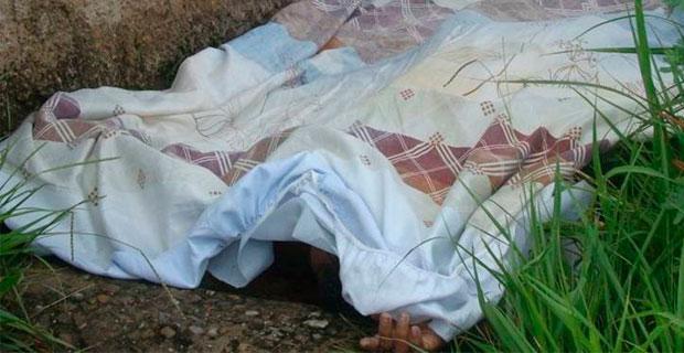 Lanzaron un cadáver en medio de la calle Las Mercedes de La Victoria