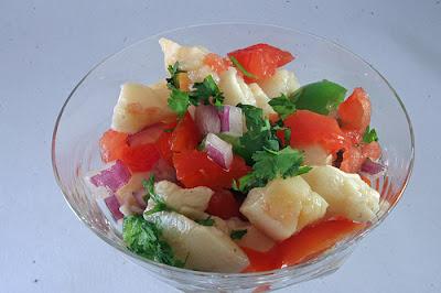 Salade de lambi: plat national des îles Turques et Caiques