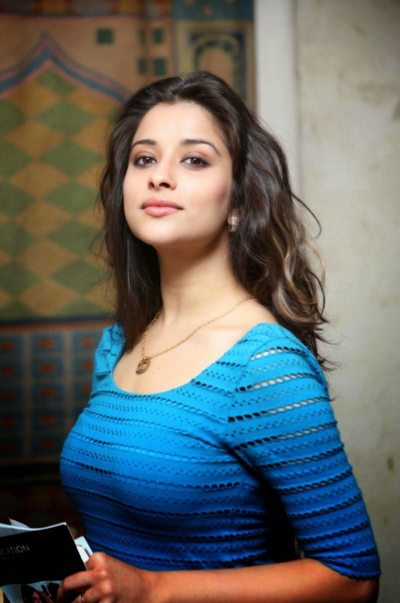 telugu actress madhurima spicy pictures cap