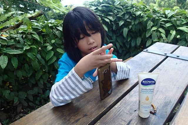 Kulit Sehat dan Lembut dengan REDWIN Sorbolone Moisturiser