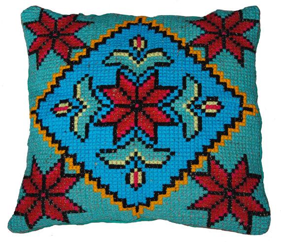 μαξιλάρι σταυροβελονιά, σχέδιο σταυροβελονιά, σχέδιο κεντήματος, μετρητό κέντημα, μαξιλάρι με κέντημα, κεντημένο μαξιλάρι.