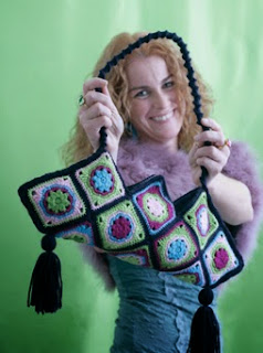 http://translate.googleusercontent.com/translate_c?depth=1&hl=es&rurl=translate.google.es&sl=nl&tl=es&u=http://makezine.com/projects/crochet-retro-purse/&usg=ALkJrhhdjb0mPdA3XCFdWiEPT85rg-iSgg