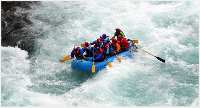 Water Rafting and Camping in 瑞诗凯诗