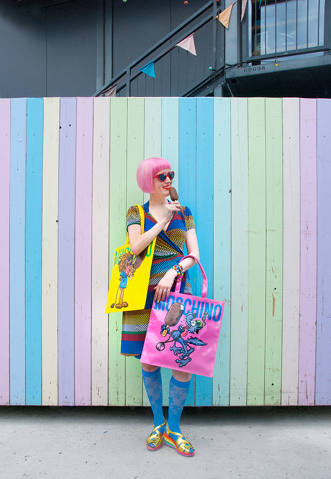 Magnum x Moschino, candy look, rainbow outfit