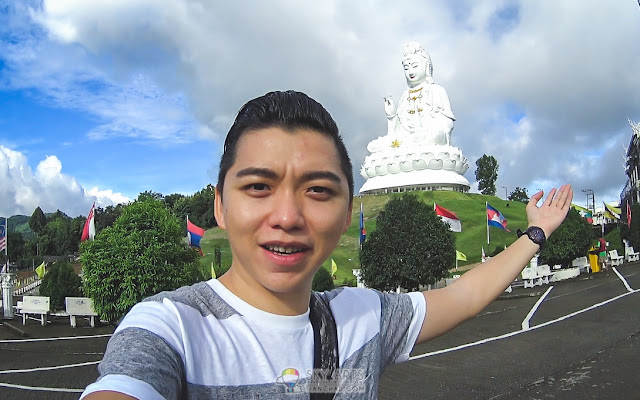 Introducing the huge GuanYin statue beside Wat Huai Pla Kung Temple @ Chiang Mai