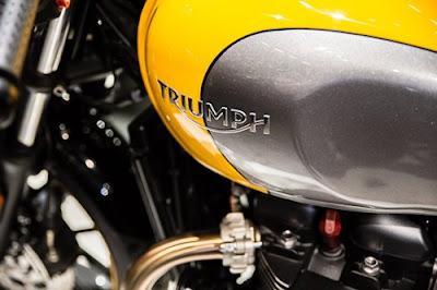 2016 Triumph Street Cup fuel tank