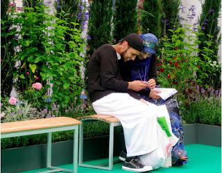 Berkasih Sayang Mengikuti Sunnah Rasulullah
