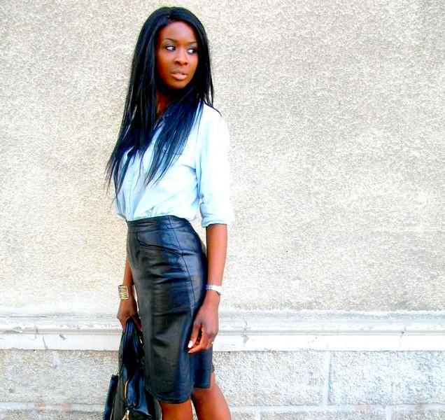 Jupe en cuir   chemise en jeans - Styles by Assitan. Blog mode ... 4bc28ad40689