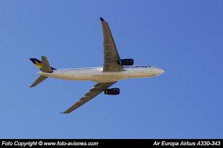 AVIÓN AIRBUS A330 EC-MIO