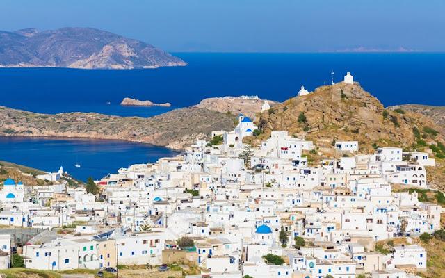 Το νησί της Ελλάδας που λέγεται ότι έχει μία εκκλησία για κάθε μέρα του χρόνου