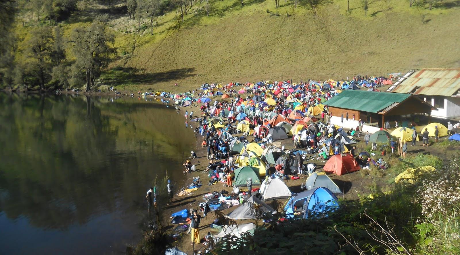 camping ground merusak ekosistem dan lingkungan hidup Pendakian Gunung Massal