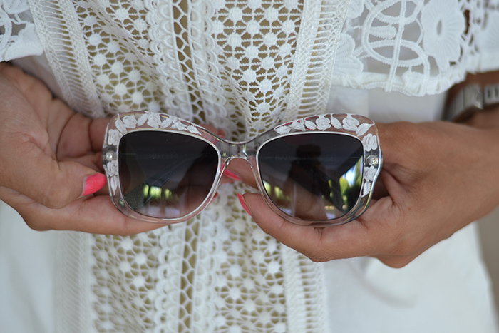 occhiali plexiglass incisioni floreali