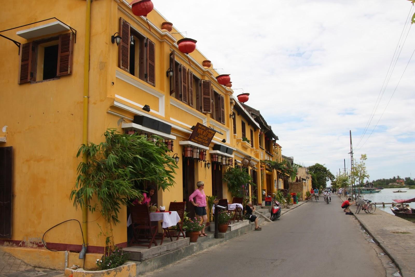 Hoi An river street