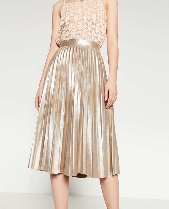The Fashion Lift: The Pleated Midi Skirt - The perfect skirt for now..