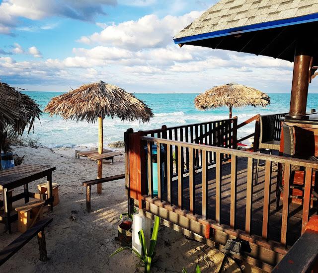 Quiosque do Valentin Perla Blanca na praia - Cayo Santa Maria - Cuba - Caribe