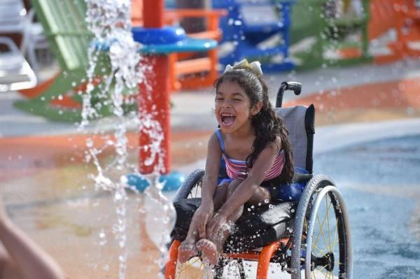 أول حديقة ألعاب مائية لذوي الإعاقة