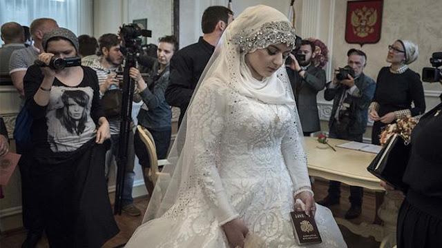 Kheda Goilabiyev menikah dengan tampang tertunduk lesu